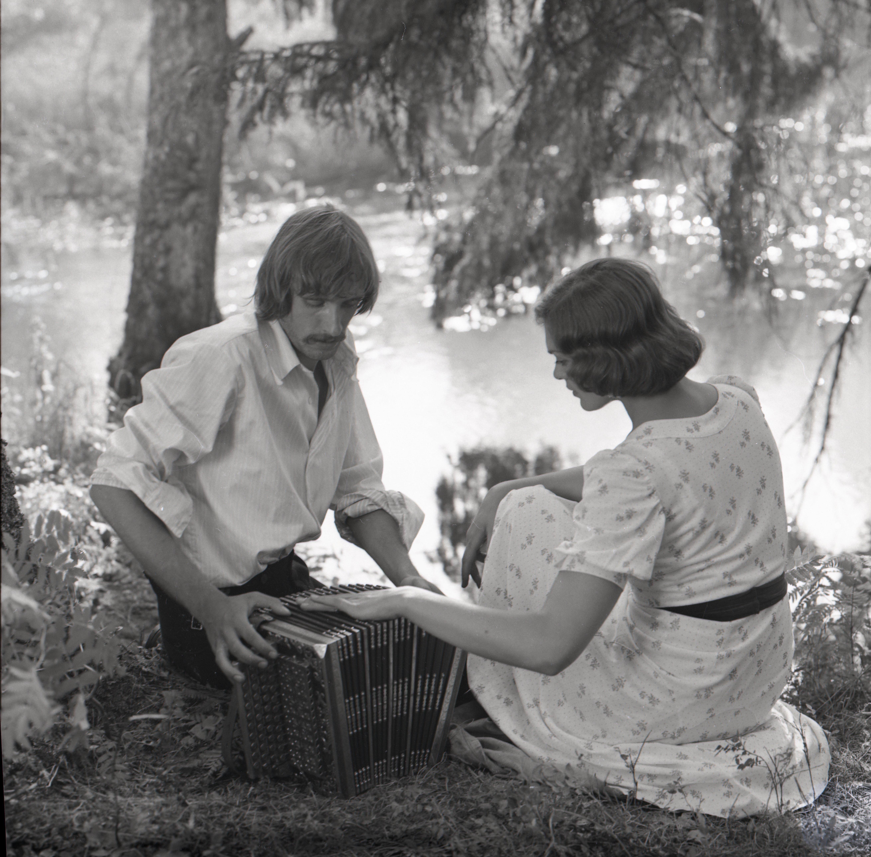 """EFA 0-214235 . """"Ukuaru"""" – Aksel – Lembit Ulfsak ja Minna – Elle Kull. Foto: Oti Vasemaa, 1973"""