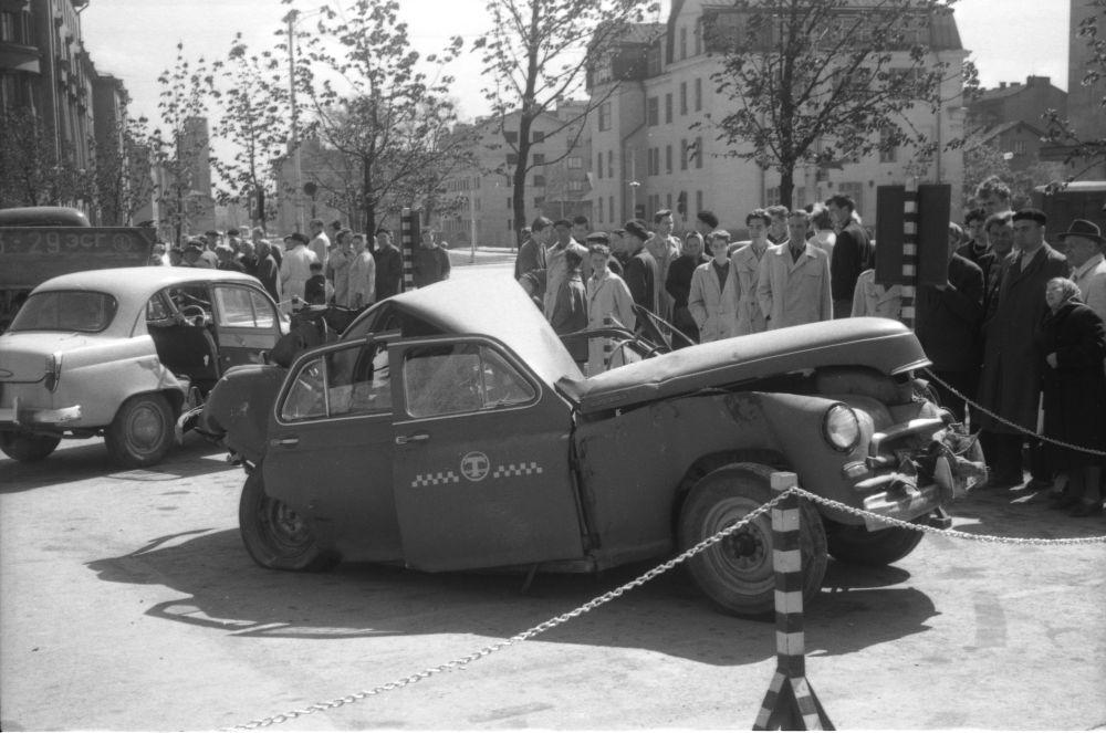 Avariiliste autode näitus Tallinnas. Mai 1961. RA, EFA.252.0-35862. 0-35862_ft