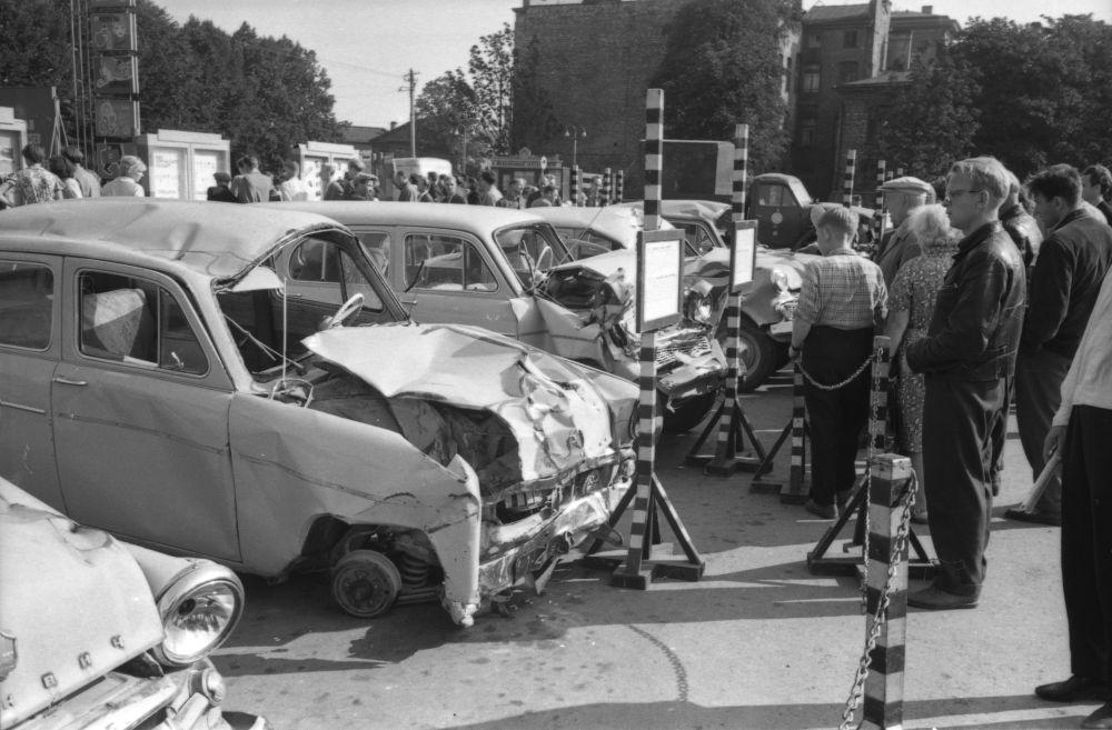 Avariiliste autode näitus Tallinnas . September, 1963. RA, EFA.252.0-36856. 0-36856_ft
