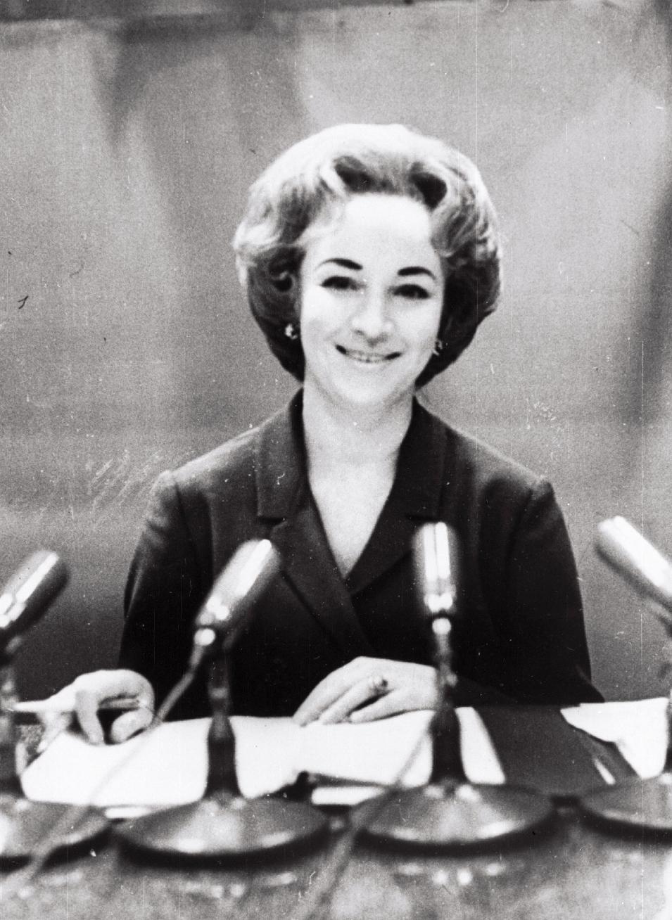 Eesti Televisiooni diktor Ruth Peramets. [1965-1970]. EFA.331.0-75875