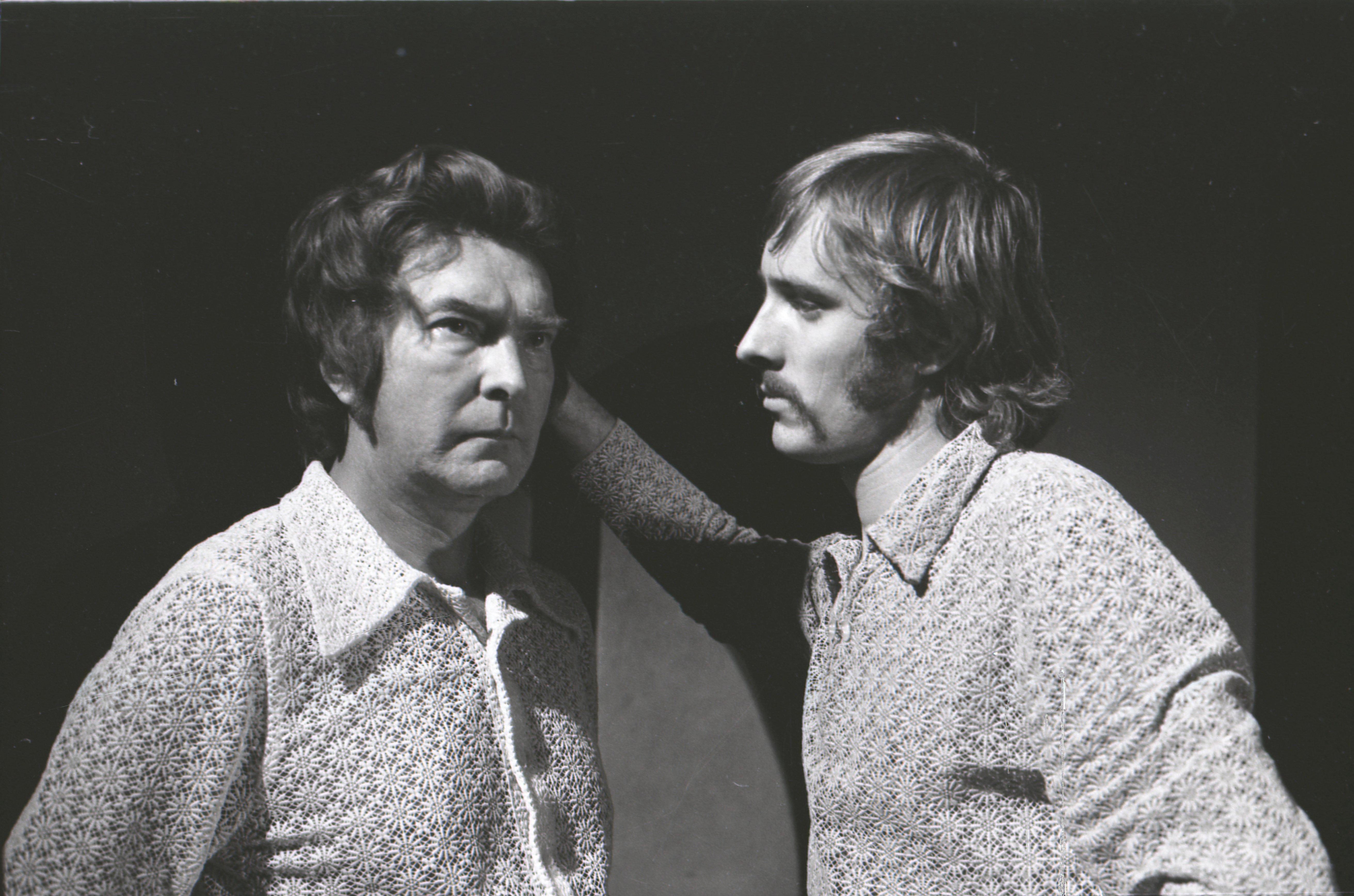 """EFA 0-76912. Heino Mandri ja Lembit Ulfsak Jean Anouilh'i näidendi """"Becket ehk Jumala au"""" proovis Noorsooteatris. Foto: Oskar Juhani, 1972"""
