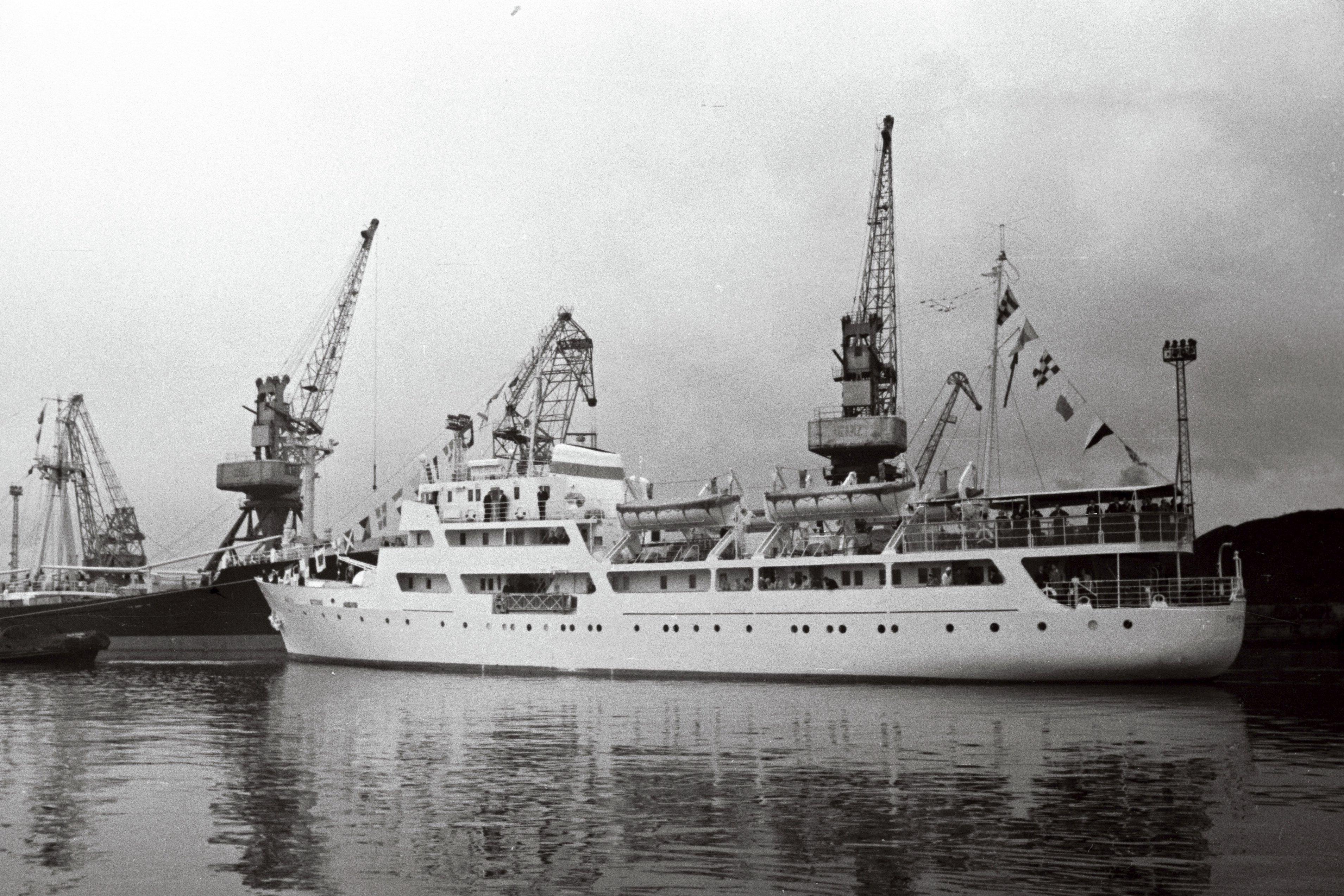 """Mootorlaev """"Vanemuine"""" pärast esimest reisi Tallinna sadamas. EFA.204.0-89740"""