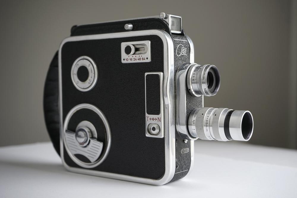 """2x8 mm kaamera """"Meopta Admira 8 IIa"""" (Tšehhoslovakkia) koos filmilõikuriga, 1954. Rahvusarhiivi filmiarhiiv"""
