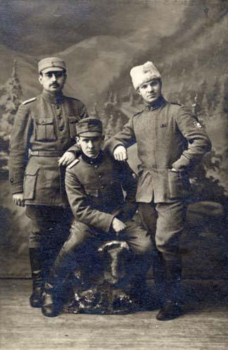 Ermes von Bergi ja tema kaaslastega tehtud foto. Valgas 9. veebruaril 1919. aastal. RA, EAA.1874.1-2169, l. 6