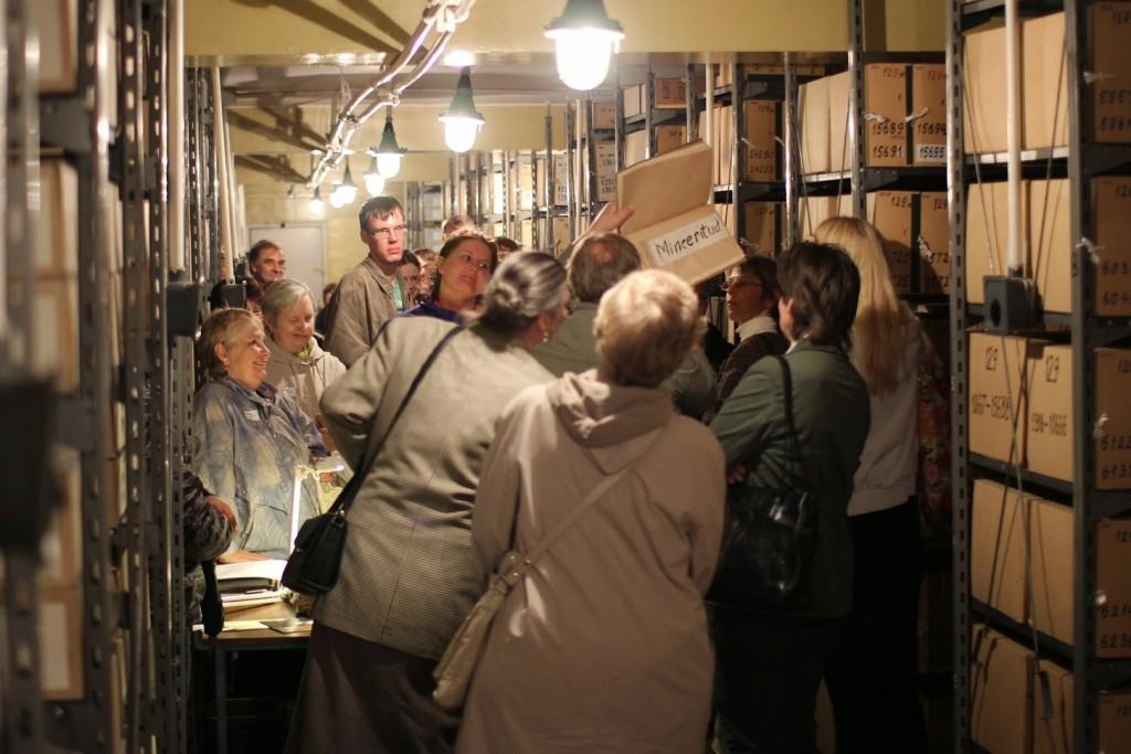 Arhiiviööl 2013 toimus viimane avalik ekskursioon Tõnismäe hoidlatesse. Foto: Gerli Raadik. 2013_05_18_3285