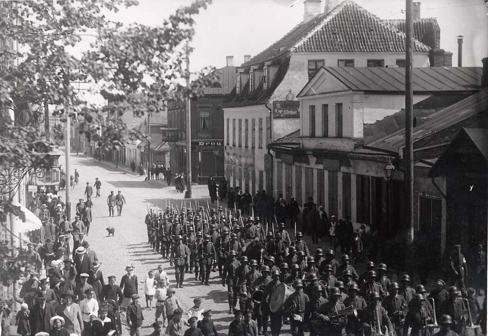 Saksa vägede paraad Tartus 1918. EAA 2073-1-25