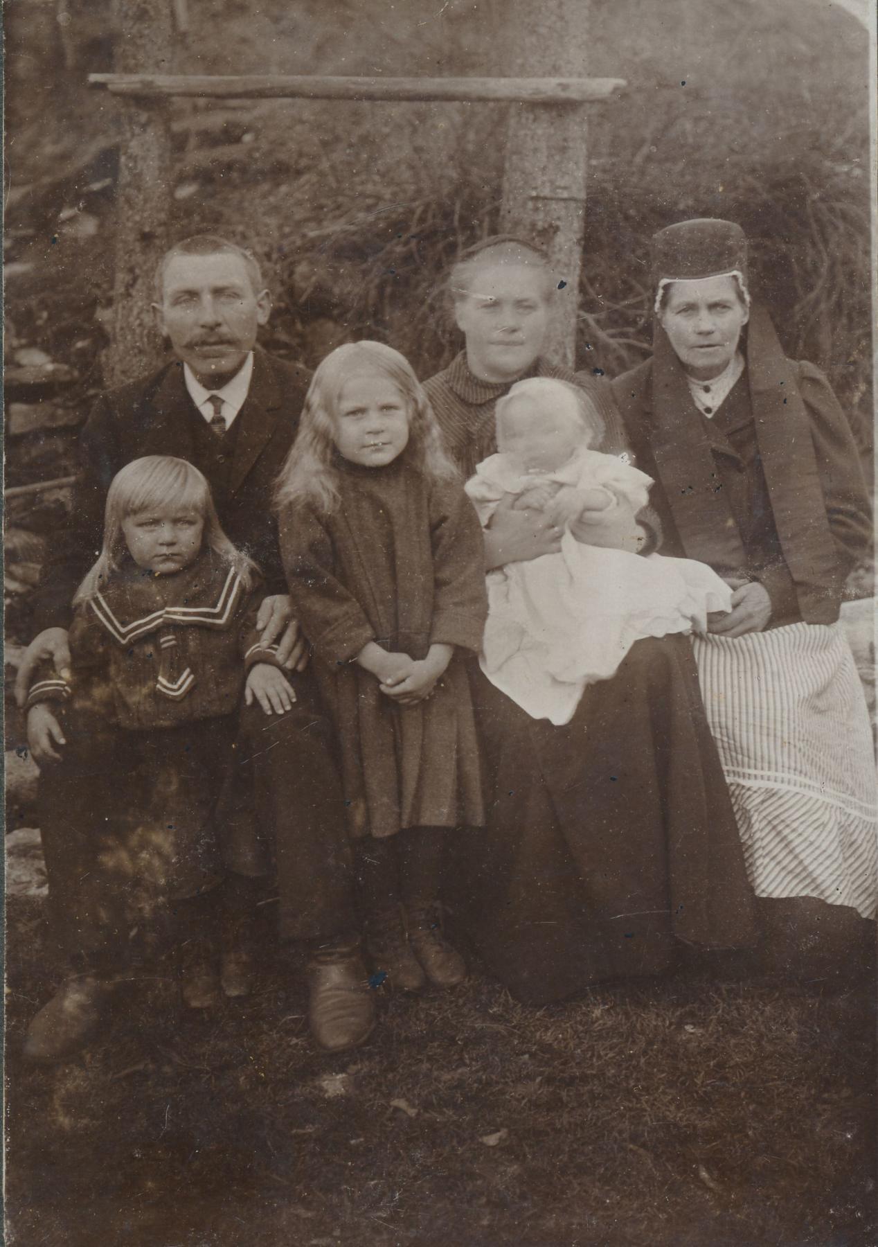 Väärtuslikud kodukirjed: Esimesse maailmasõtta kisti ka pereisad