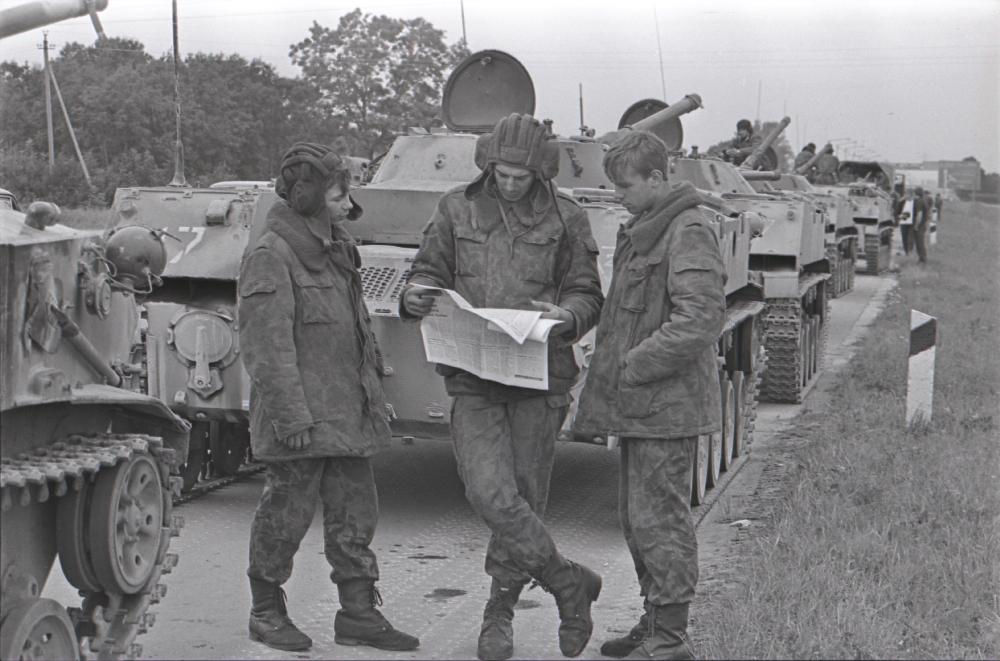 Seoses riigipöördekatsega NSV Liidus Eestisse saadetud Pihkva dessantväelased teel Tallinna, 1991. Verner Puhm. RA, EFA.251.0-149011. efa0251_000_0000000_149011_ft