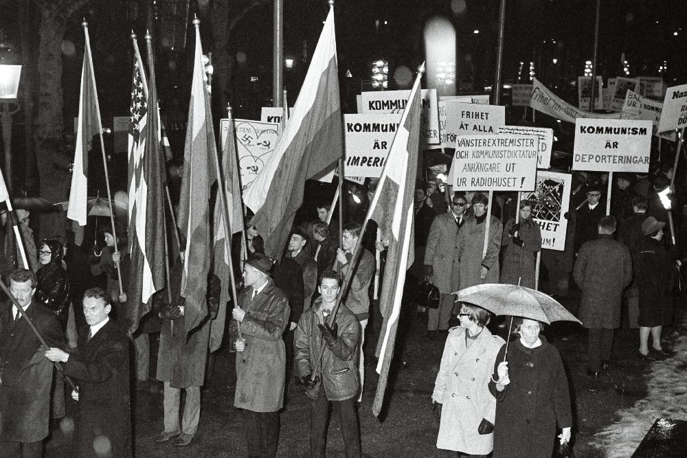 Demonstratsioon nõukogude okupatsiooni vastu Balti riikides, Stokholm,1967. Ra, EFA.600.0-328277. 35mm negatiivfilm