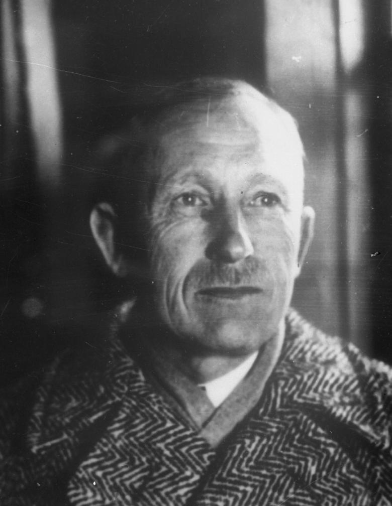 Portreefoto. Anton Hansen Tammsaare 1930ndatel aastatel. ERAF.2.2.1577.2
