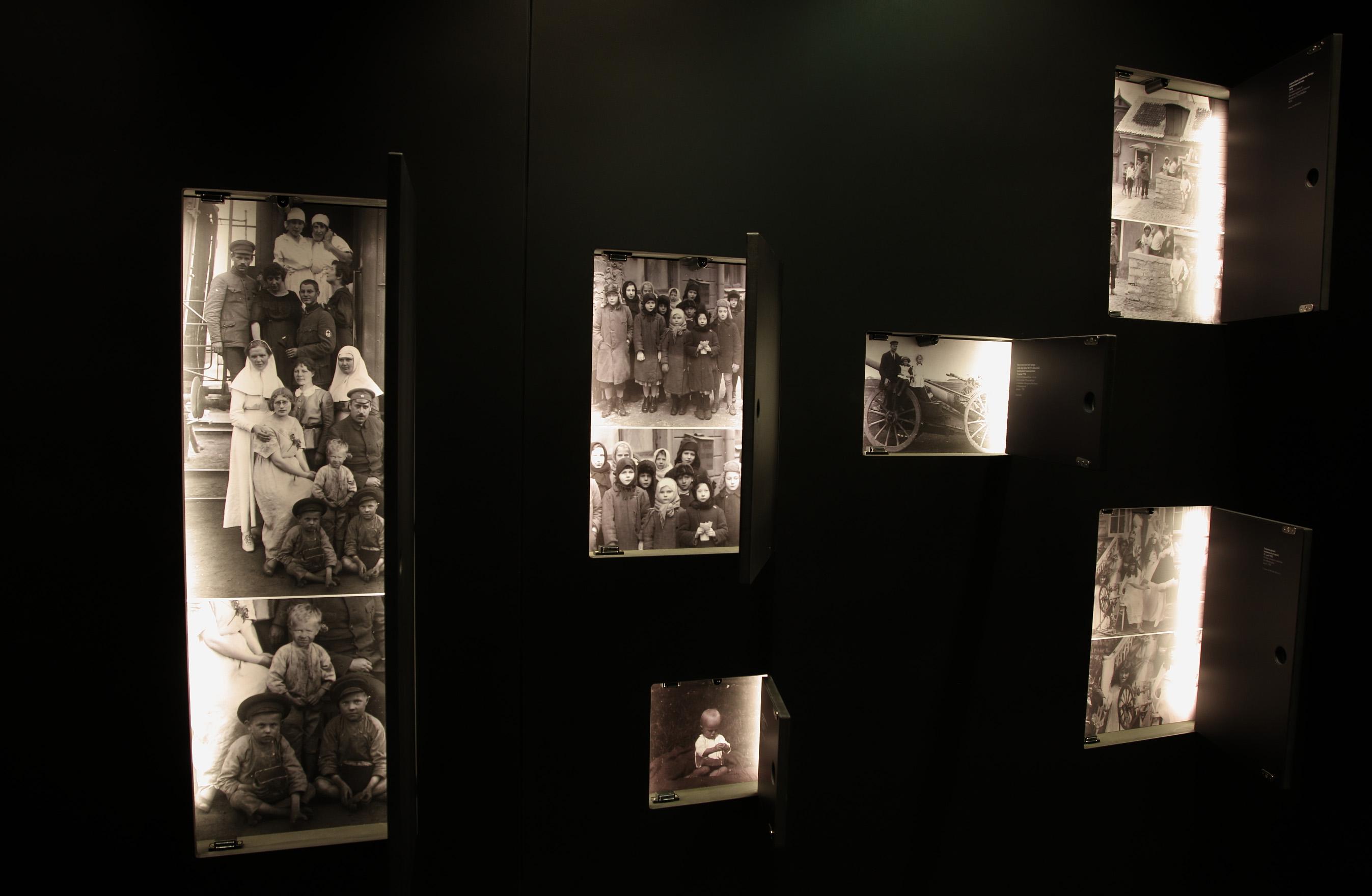 "Näitus ""Keerdkäigud"" Nooras. Foto: Andres Kiho. fb_4764"
