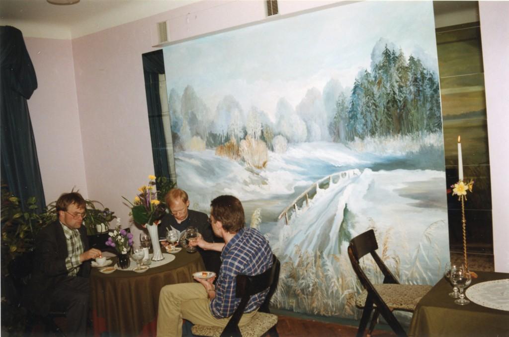 Parteiarhiivi allüürnikuks oli 1990-te lõpus Stella baar, mille interjööri ilmestasid seinamaalid. Foto: Valdur Ohmann