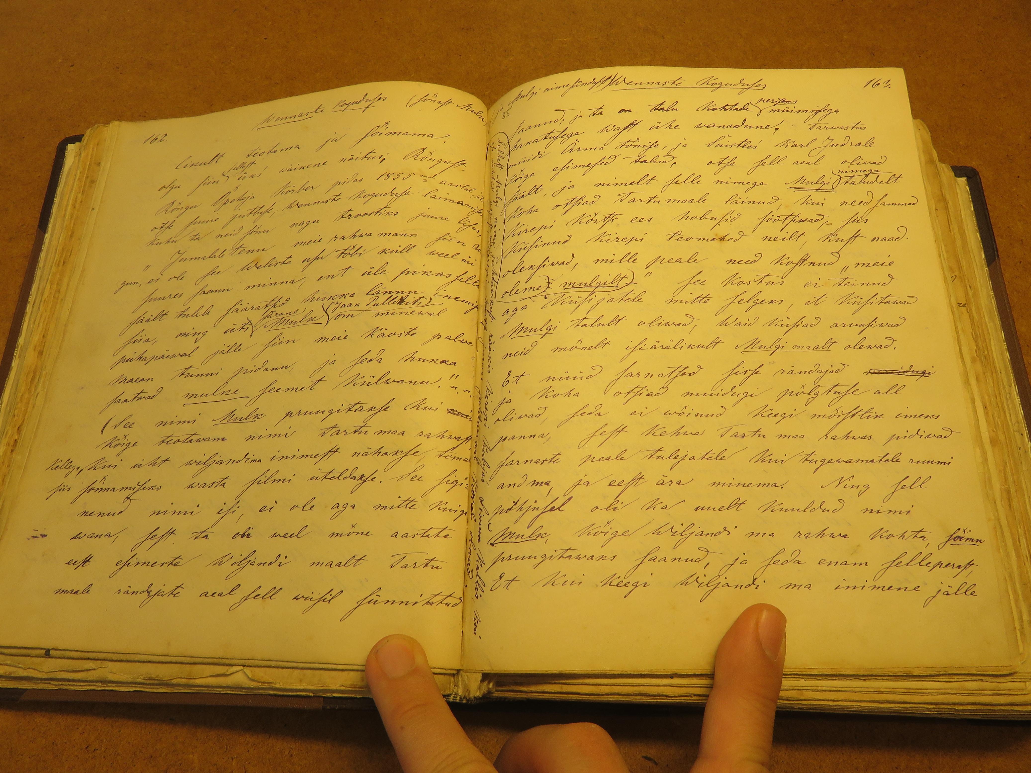 Paistust Tartumaale asunud Märt Mitt (1833‒1912) arutab Mulgi teemat oma mälestustes , mis ta on tõenäoliselt kirja pannud 1860. aastate teisel poolel või 1870. aastatel. illustratsioon-1-002