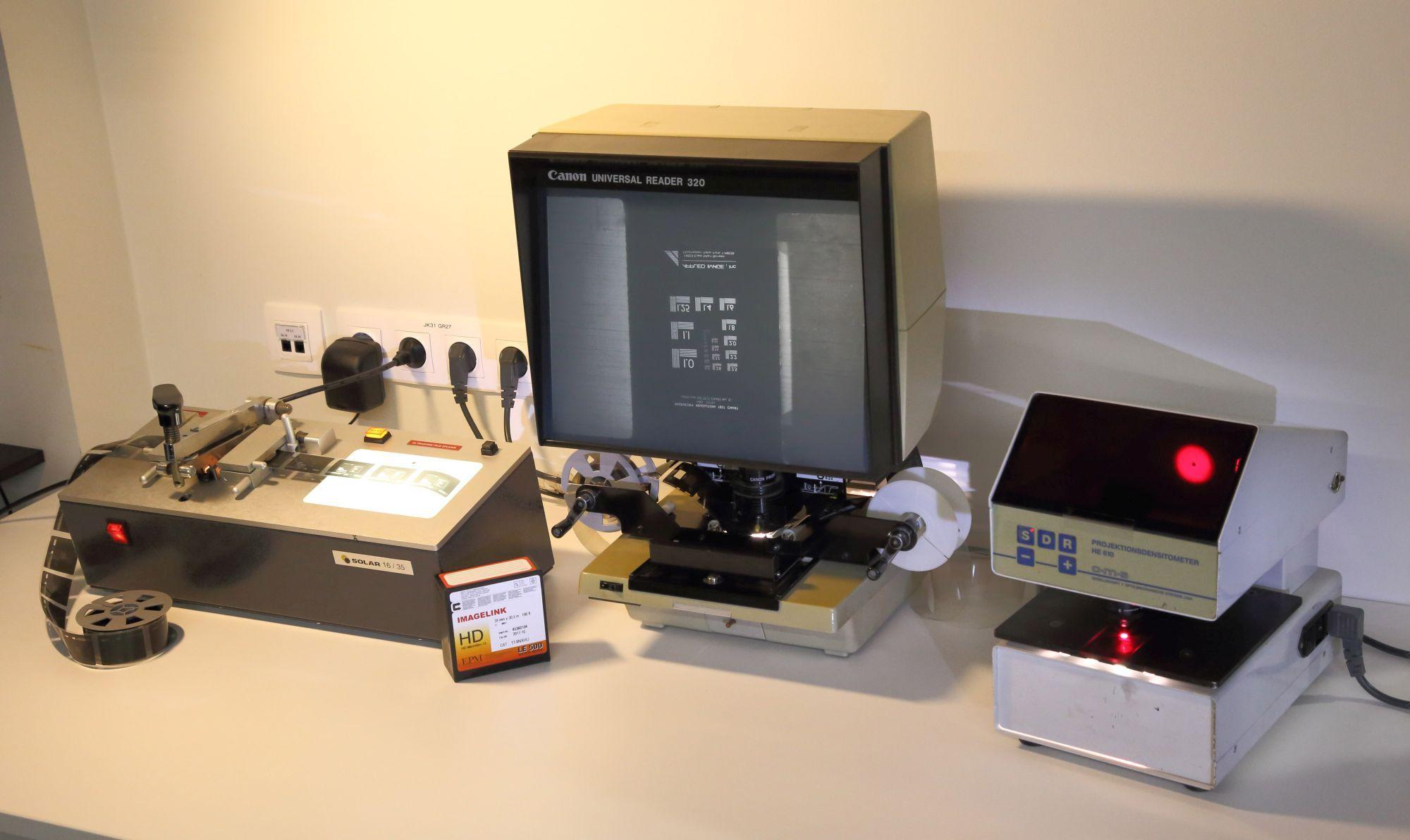 Mikrofilmide kvaliteedi kontrollimiseks ja filmide lõikamiseks-parandamiseks kasutatavad seadmed