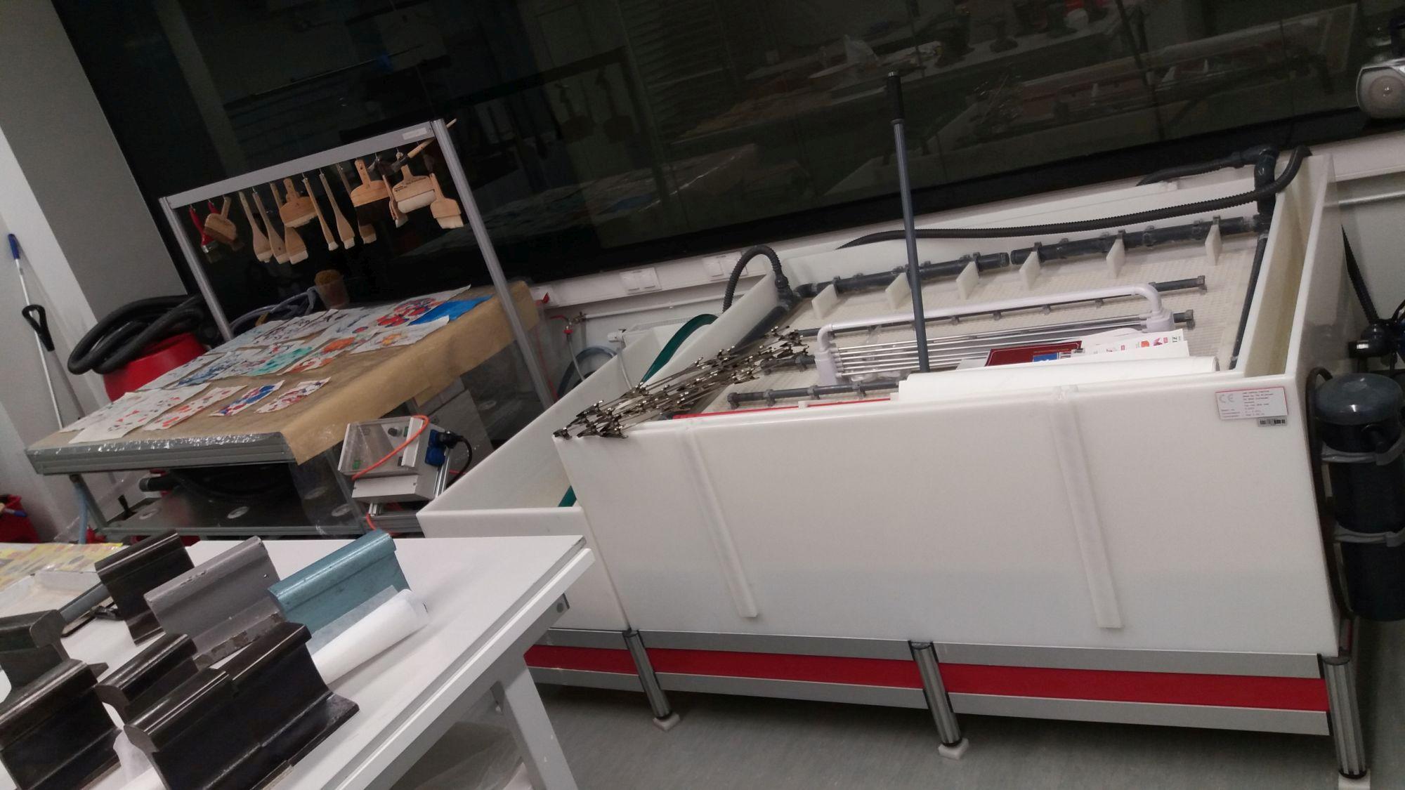 Suur paberivalamise masin on valmis uues majas suurteks tegudeks