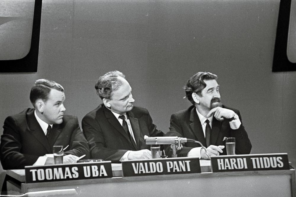 """Eesti võistkond koosseisus Toomas Uba, Valdo Pant ja Hardi Tiidus telemängus """"Naapurivisa"""", 17.10. 1967. RA, EFA.664.0-197933. soome5"""