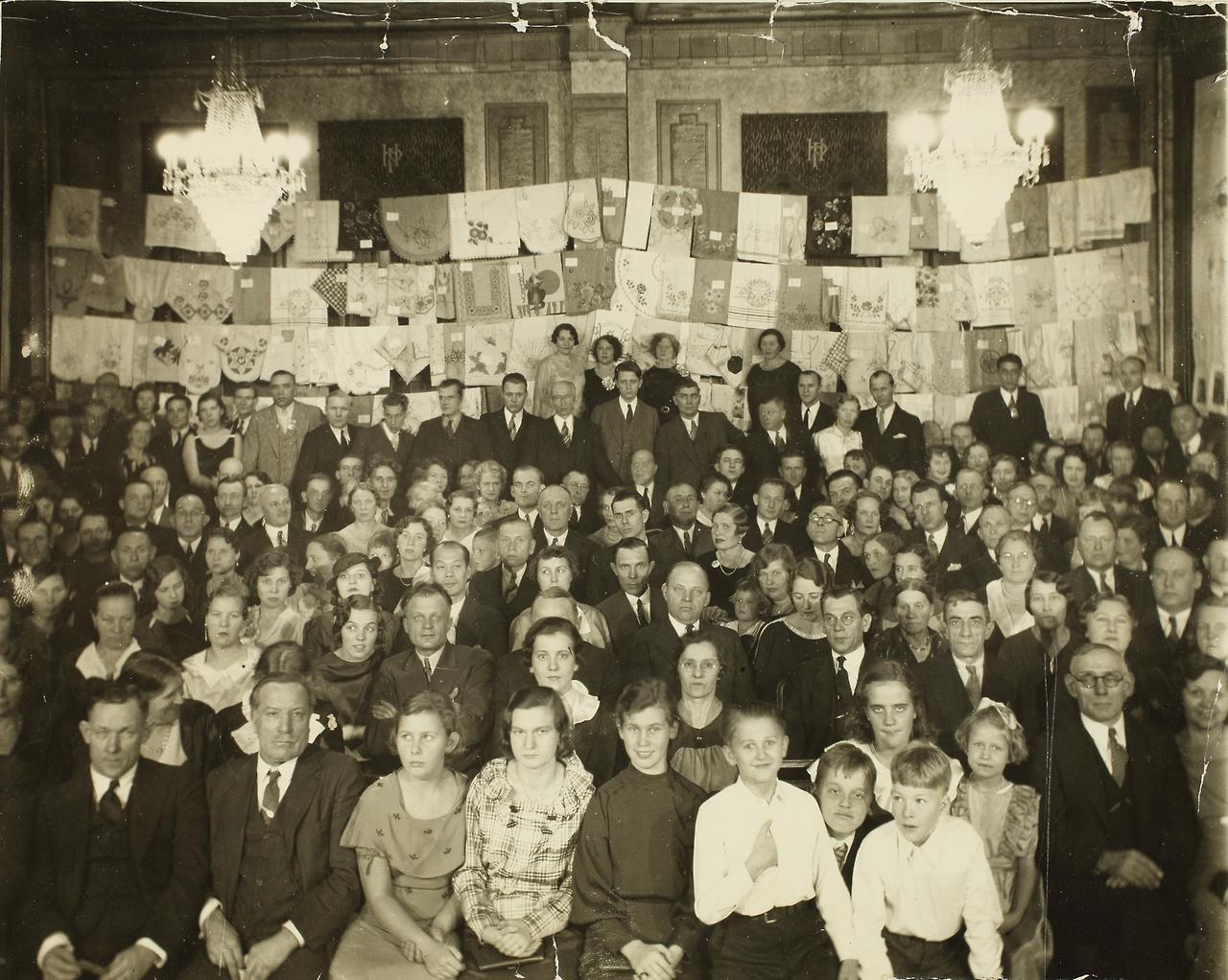 ERAF.9595.1.19.8. Grupifoto New Yorgi Eesti Töölisklubi basaarilt 1936. aastal.