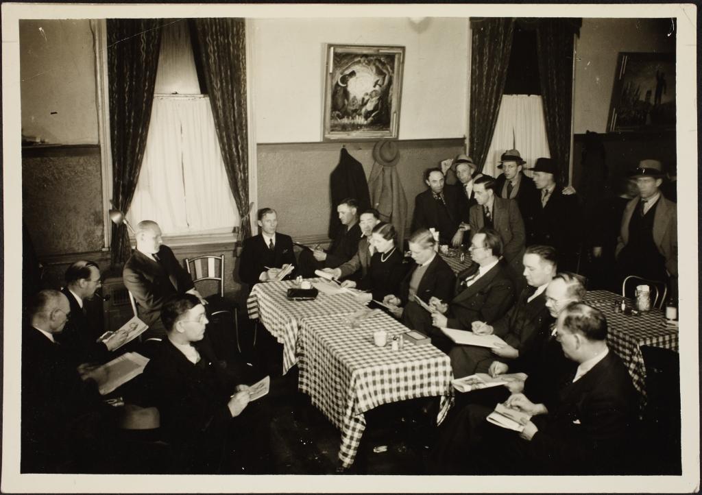 ERAF.9595.1.19.27. New Yorgi Eesti Töölisklubi kunstiring George (Jüri) Sepa juhendamisel, 1937.